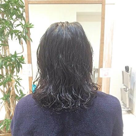 細くてぺたっとするパーマのかかりづらい髪にパーマをかけました