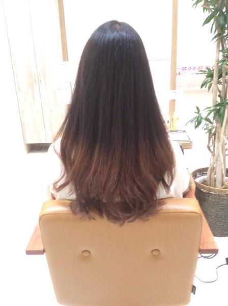 ゴワゴワ、チリチリして広がる捻転毛の癖毛の縮毛矯正(ストレートパーマ)