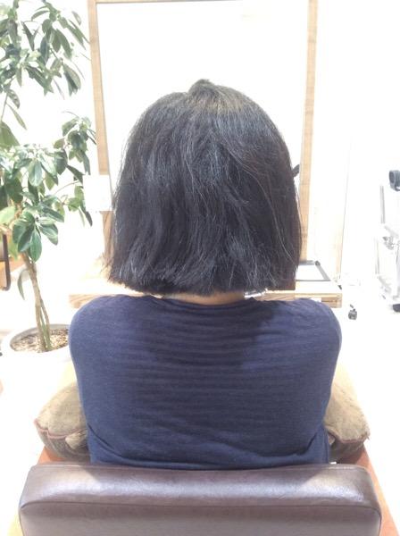 ゴワゴワ広がる髪の縮毛矯正(ストレートパーマ)