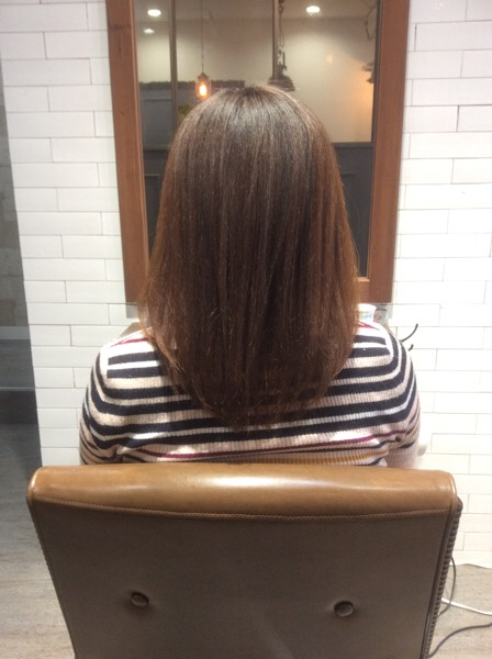 チリチリで乾燥毛、ダメージもある髪の縮毛矯正(ストレートパーマ)