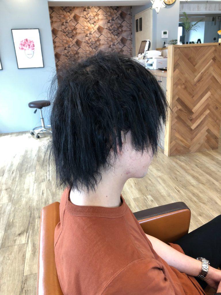 男性のくせ毛の横
