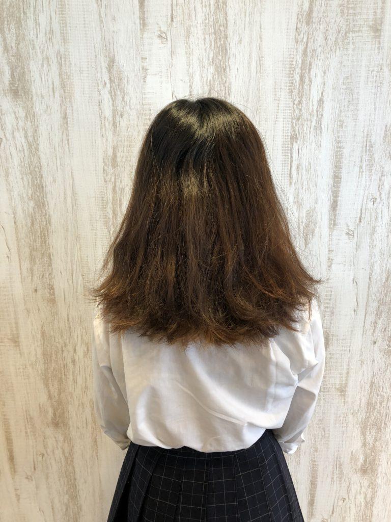 まとまらないくせ毛を切る前