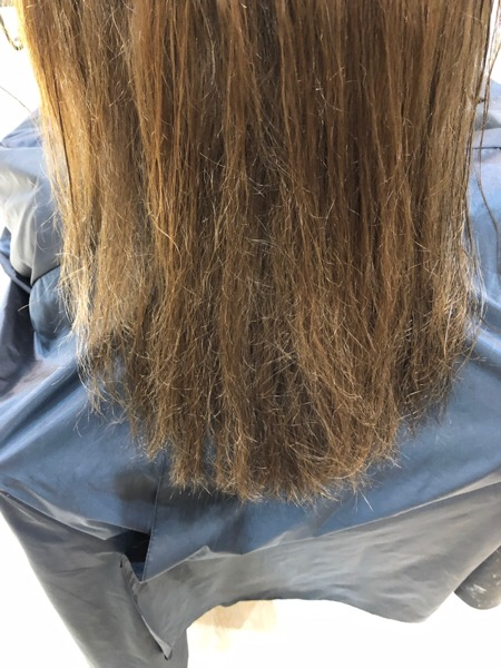 縮毛でチリチリ、パサパサ、広がりやすい髪
