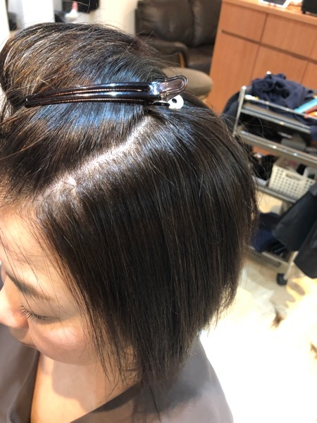 ショートでくせの強いダメージヘアの縮毛矯正後